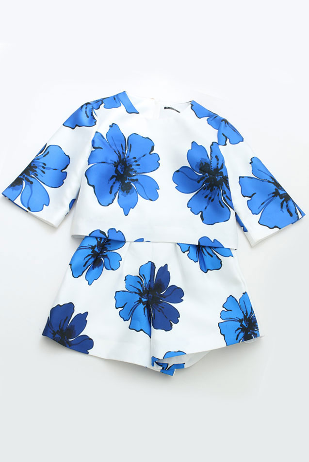 4_Sheinside White Round Neck Floral Crop Top With Shorts ($28 usd)