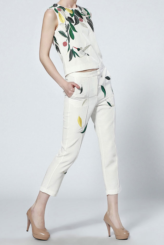 5_Sheinside White Sleeveless Leaves Print Top With Pant ($38 usd)