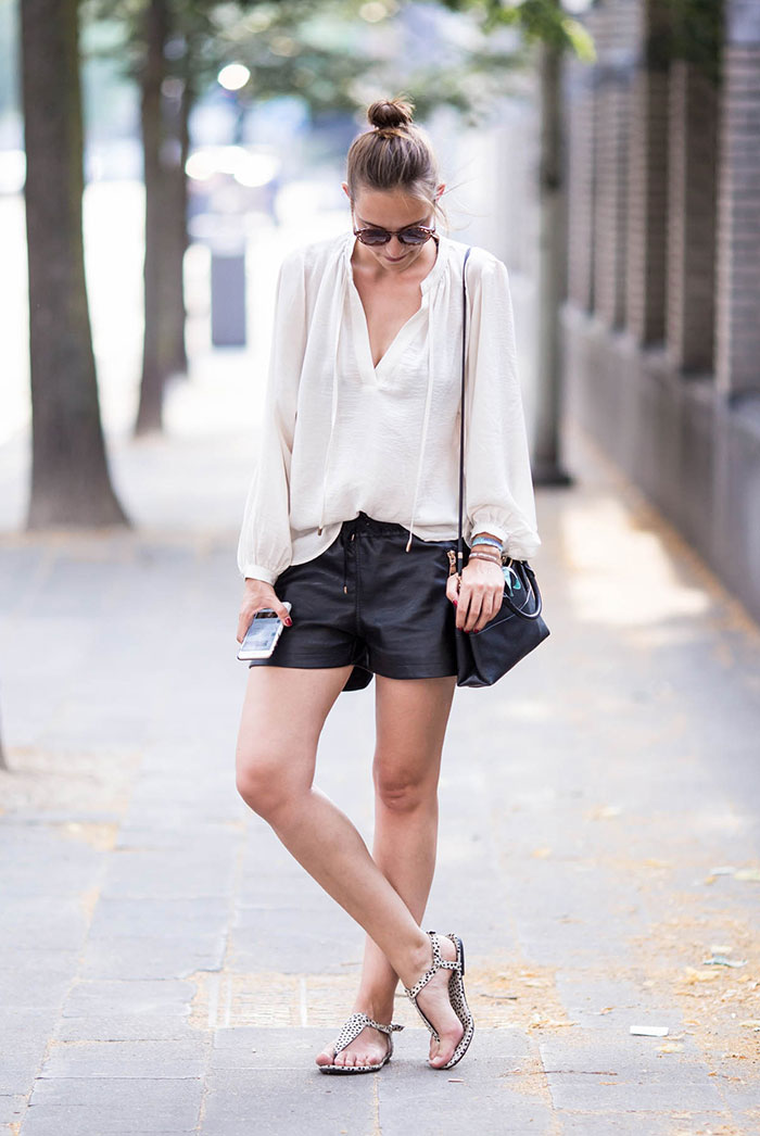 2802372ae3f Check out how the fashion It girls are wearing the classic combo with these  15 Super Trendy Black   White Summer Outfits