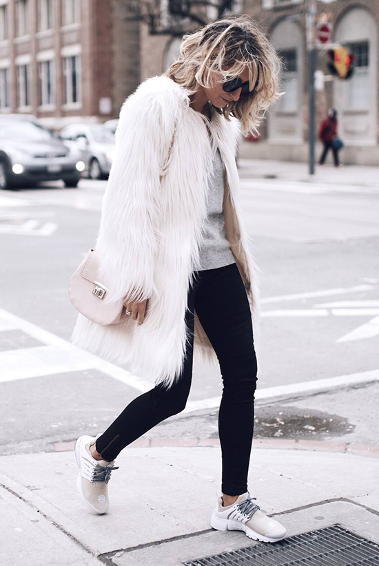 35 Outfits That Prove You Can Look Chic On Sneakers Be