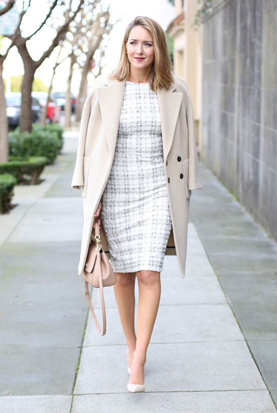 spring work outfits - 30 Spring Work Outfits To Try Right Now: Fashion Blogger 'Memorandum' wearing an ivory coat, a grey and white check print bodycon dress, blush pointy toe heels and a light pink shoulder bag