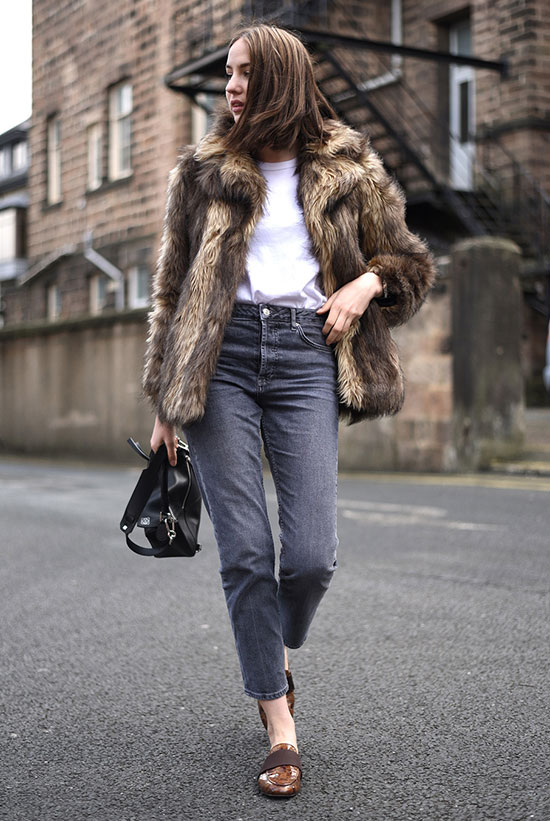 Summer Outfits - The Top Blogger Looks Of The Week: Fashion blogger 'Shot From The Street' wearing a brown fur jacket, a white t-shirt, grey mom jeans, brown loafers and a black shoulder bag. Fall outfit, winter outfit, comfy outfit, casual outfit, street style.