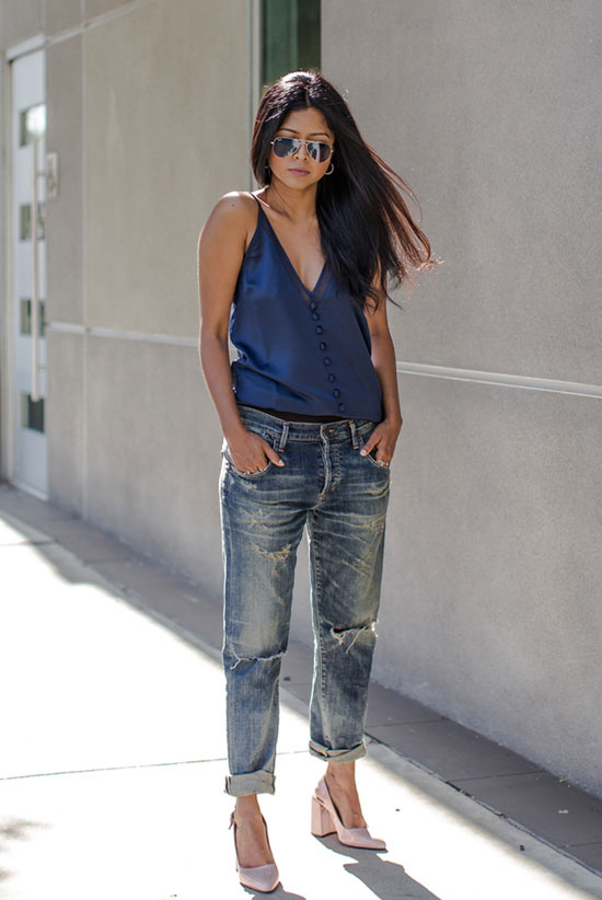 The Best Outfit Ideas Of The Week: Fashion blogger 'walk in wonderland' wearing a navy cami top, boyfriend jeans, blush block heel pumps and mirror aviator sunglasses. Summer outfit, casual outfit, simple outfit, comfy outfit, street style, street chic style, summer trends 2016