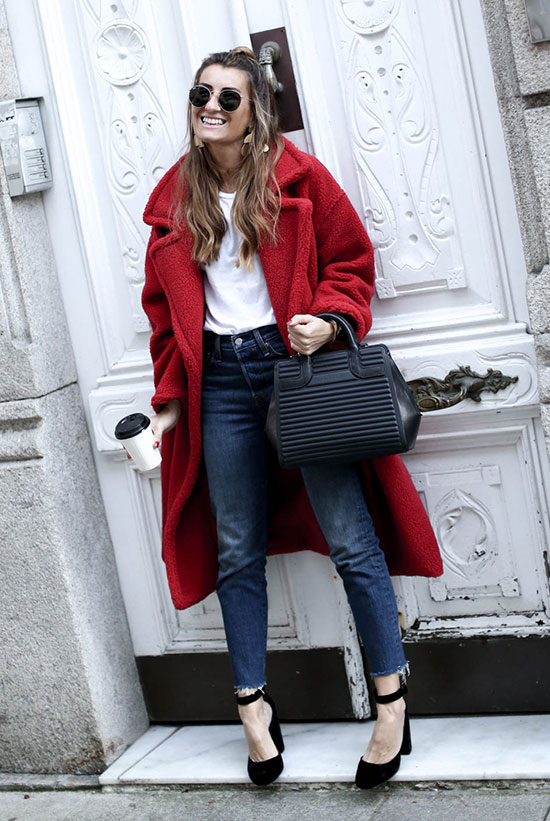 10 Chic Valentine's Outfits For Every Girls Style: Fashion blogger 'Bartabac' wearing a red coat, a white t-shirt, raw hem skinny jeans, black heels, round aviator sunglasses and a black handbag.
