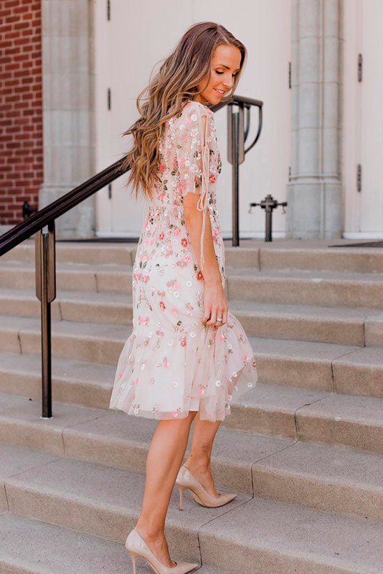 10 Chic Valentine's Outfits For Every Girls Style: Fashion blogger 'Merrick's Art' wearing an floral embroidered blush midi dress and nude heels.