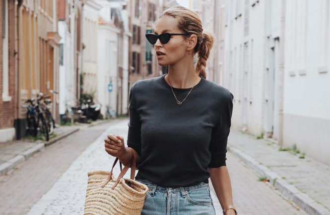 470ced16017 A Month s Worth Of Chic Spring Outfits  Fashion blogger  Anouk Yve  wearing  a