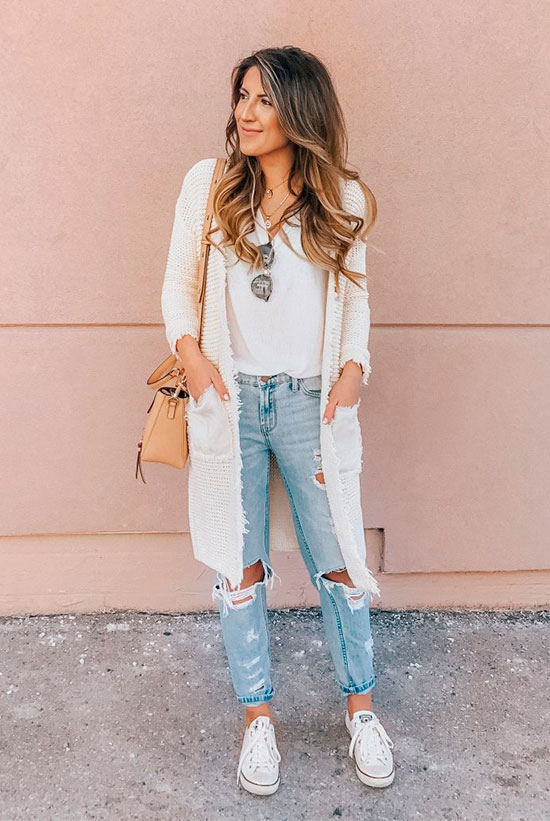 23e01cb1dfd A Month s Worth Of Chic Spring Outfits  Fashion blogger  Stephanie  Sterjovski  wearing a