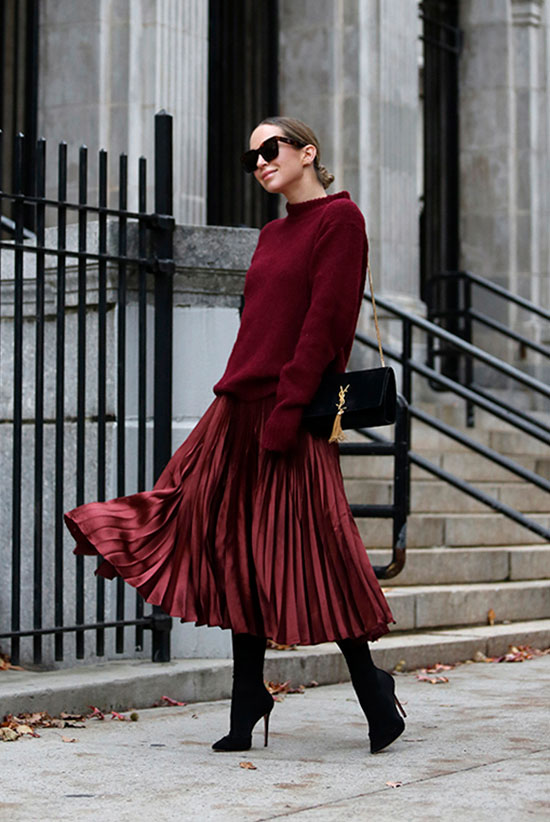 83a74b44dfed 25 Outfit Ideas For Every Girl's Holiday Style: Fashion blogger 'Brooklyn  Blonde' wearing