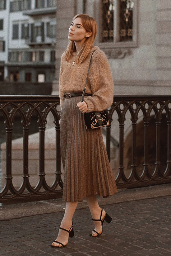 5d8a470b2d92 25 Outfit Ideas For Every Girl's Holiday Style: Fashion blogger 'Pretty  Little Fawn'